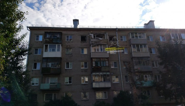 Число пострадавших от взрыва газа в Барнауле выросло до двух