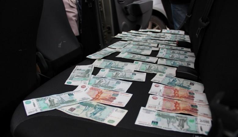 Замглавы администрации Барнаула получил взятку в 1 млн рублей – СКР
