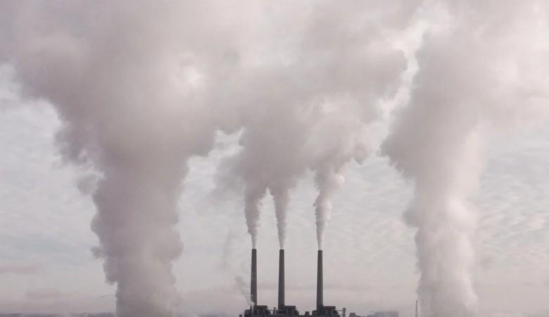 Путин призвал создать систему жесткого экологического контроля