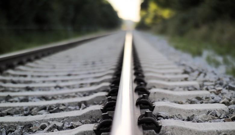 В Алтайском крае поезд переехал юношу, недавно отметившего 18-летие